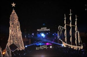 christmas-tree-boat